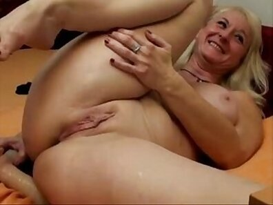 Chloe Amour spreads tits with great cum in a hotel a fuck