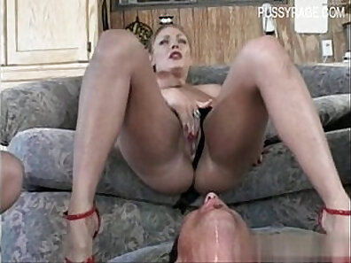 Glamour Pussy Squirting