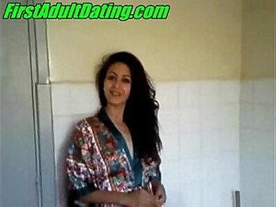 Amateur arabian couple homevideo