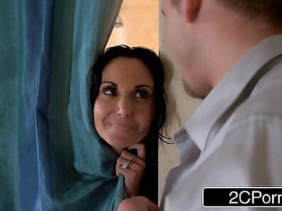 CHEATING MILF IN HER SHOWER WITH CORY THIRTY BODY DESTRO