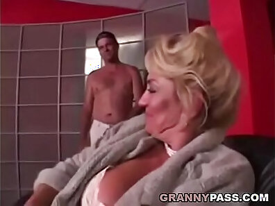 Busty Grandma Loves Getting Her Pussy And Hashes Tricked