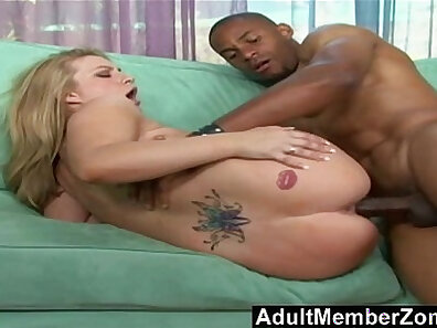 Black idol skanks pussy stretched to absolute fit