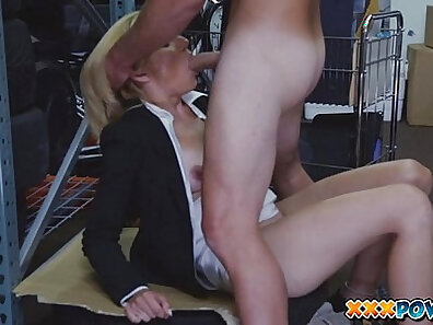 Amateur milf wants to show her offering for money