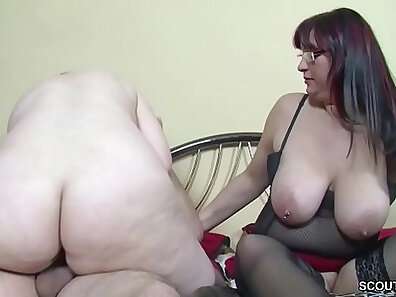 Son seduces step dad in threesome session