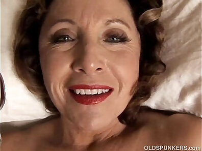 Cougar Brandyca Pierce Masturbating in the art car