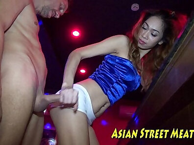 Amazing Thai girl is going for anal