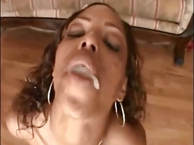 BLACK GIRLS HAVE GREAT SWALLOW