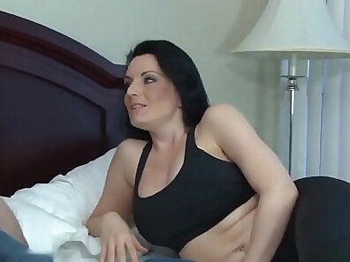 Busty Slut Iran Lynx Fucks Her Mom