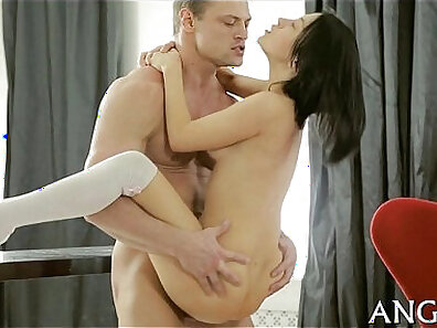 Teen doggystyle fuck in hotel room BBC