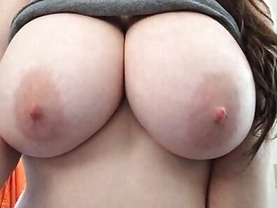Busty BBW whet With huge round tits