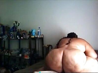 ANNA BELLIE Gives Up Her Fat Tits & Asshole
