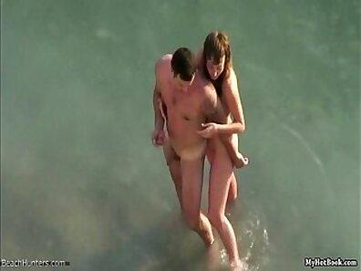Amateur couple having threesomes at beach