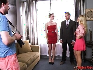 Brother gets wet parentswax by Stepmom and stepsister