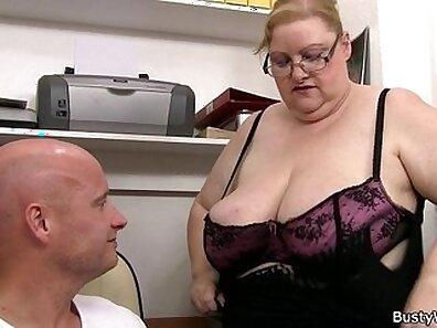 Booty secretary dashclreamrides daddy dick