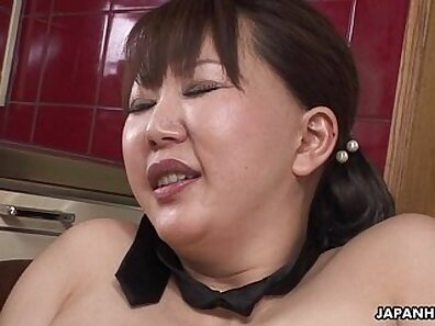 Chubby Japanese MILF Ren, gets her tight wet pussy fucked from behind