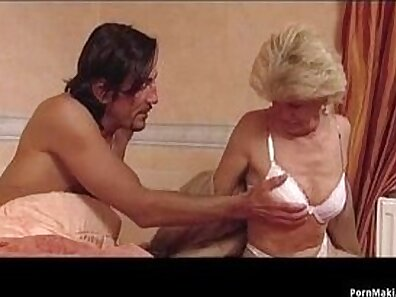 Chubby blonde granny getting fucked rough by wench