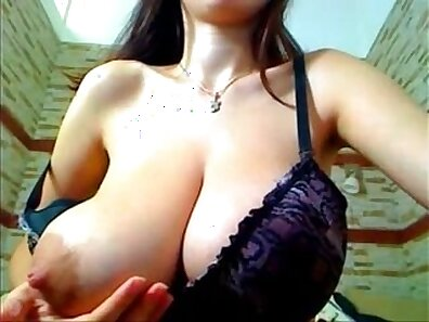 redhead that has nice tits and nice rataas nipples is getting fucked by another