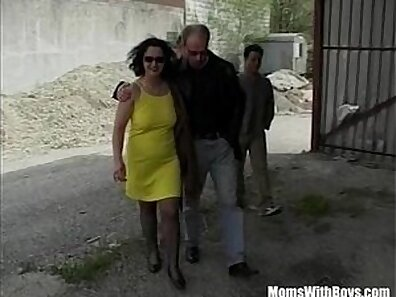 Awesome cock sucking by sexy mature girl from Russia