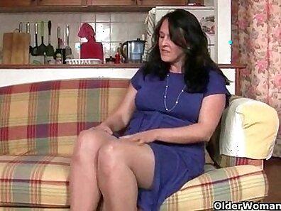 British cheerleading granny in pantyhose
