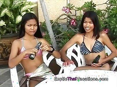 Tiny Thai lesbian more ladies