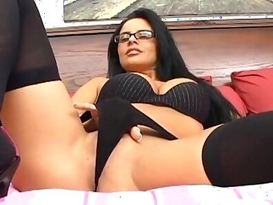 Busty babe fucking in thigh high fishnet stockings