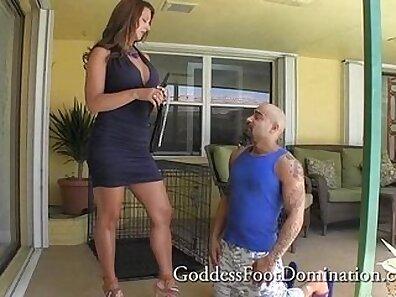 Best Tits & Chocolate Feet Femdom Footjob