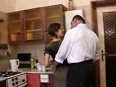 compeers daughter fucked in the kitchen by dad