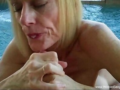 Blonde mom gave a fantastic blowjob on the bed