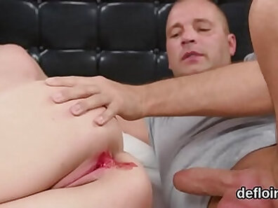 Teen arse gaping and fucking