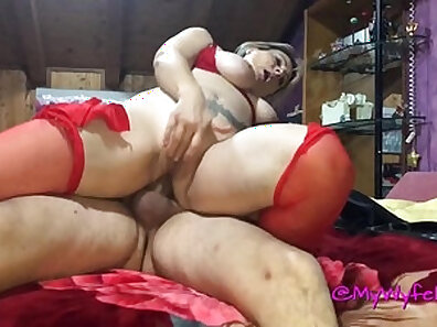 Mamma scabs pecker from boobs