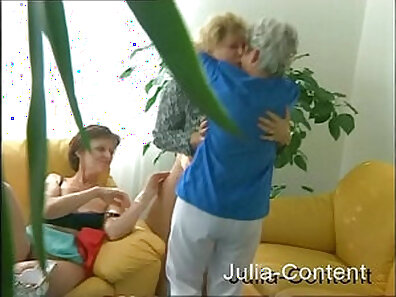 Granny sucks and fucking in group