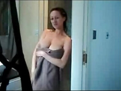 Cheating wife - Taking the shower together