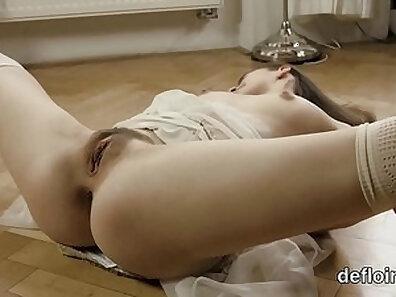 Sandra Monterrey Spreads legs rubbing dick